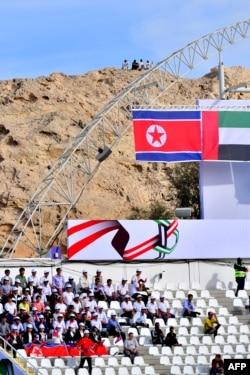تماشای فوتبال جام ملتها از نوک کوه که تحسین جهانیان را چیز کرد.
