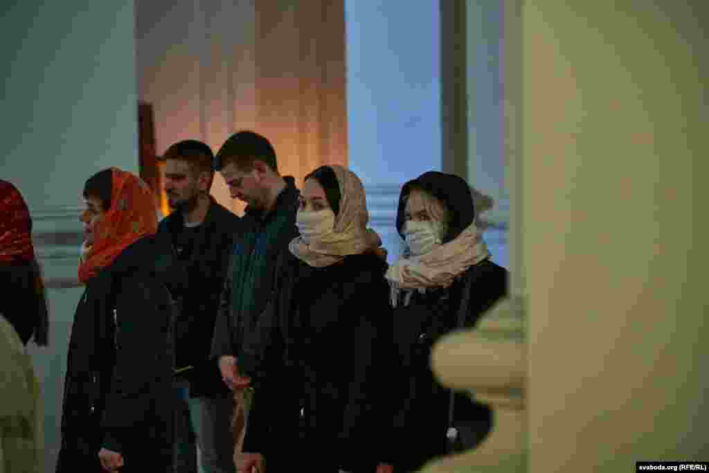 Велікодная ноч з удзелам архіепіскапа Віцебскага і Аршанскага Дзьмітрыя ў Сьвята-Усьпенскім катэдральным саборы ў Віцебску.