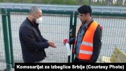 Migranti u Prihvatnom centru Adaševci u blizini granice sa Hrvatskom.