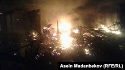 Пожар на рынке в Караколе. 17 сентября 2018 г.