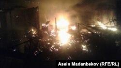 Пожар на рынке в Караколе. 17 сентября 2018 года.
