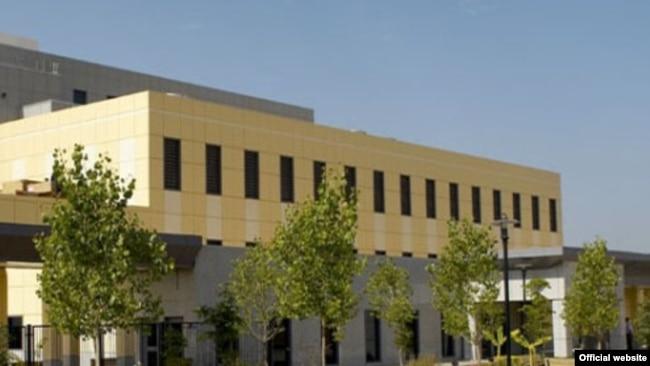 Здание посольства США в городе Душанбе