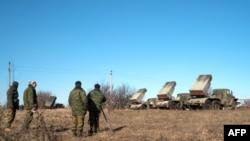 Kryengritësit prorusë të vendosur në vendbanimin Gorlivka në pjesën lindore të Ukrainës