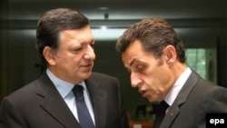 European Commission President Jose Manuel Barroso (left) with French President Nicolas Sarkozy at the summit in Brussels
