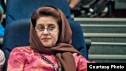 کتایون شهابی، تهیهکننده، روز چهارشنبه به همراه مهران زینتفر از زندان اوین آزاد شد
