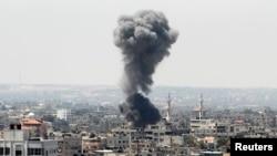 Газа тилкесинде израил армиясынын аба соккусунан кийин пайда болгон түтүн. 8-июль.