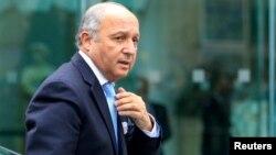موضع وزیر خارجه فرانسه برای احیای گفتگوهای صلح با واکنشهای متفاوت مقامات فلسطینی و اسرائیلی روبهرو شده است.