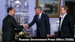 Бойко та Медведчук зустрілися в Москві з Медведєвим