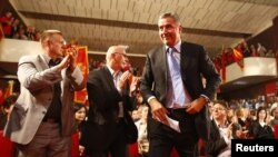 Premijer i lider DPS-a Milo Đukanović na jednom od predizbornih skupova u oktobru 2012. godine