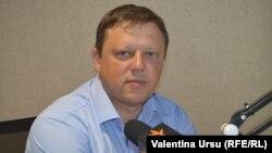 Pavel Postică în studioul Europei Libere la Chișinău
