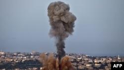 گزارش ها حاکی است که شمار کشته ها و مجروحين در طرف فلسطينی با هر سورتی پرواز جنگنده های اسرائيلی افزايش می يابد.