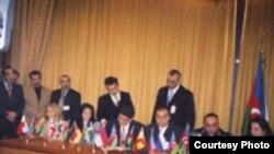 Avropa Azərbaycanlıları Konqresi, təsis protokolunun imzalanma mərasimi, Berlin, 17 aprel 2004