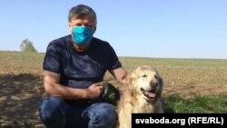 Ян Максімюк з сабакам Рубінам