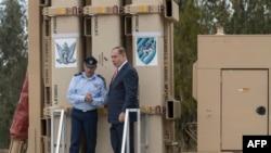 بنیامین نتانیاهو، نخست وزیر اسرائیل و ژنرال امیر اشل (چپ)