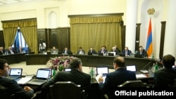 Armenia -- A cabinet meeting in Yerevan, October 10, 2019.