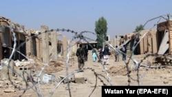 Ауған қауіпсіздік күштерінің сарбаздары талибтерден тартып алған ауданда қарауылдап жүр. Ауғанстан, Гильменд уәлаяты, 18 қазан 2017 жыл.