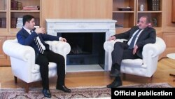 Представители оппозиции скандальные заявления президента и главы КС назвали тревожными, в правящей «Грузинской мечте» – несерьезными и антигосударственными