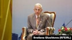 Американский математик Джон Нэш во время визита в Казахстан. Астана, май 2012 года.