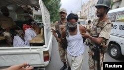 Пакистандын өкмөттүк күчтөрү кезектеги операция маалында.