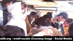 Узбекские мигранты возвращаются из России домой.
