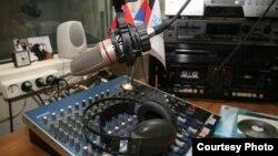 Сотрудники ГТРК «ИР» продолжают ежедневно получать возмущенные звонки жителей Южной Осетии, недовольных качеством трансляции теле- и радиосигналов