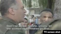 Ratko Mladić u Srebrenici, 1995.