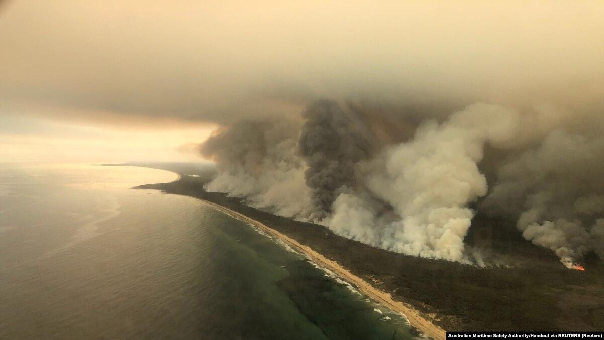 В Австралии военных-резервистов привлекли к борьбе с масштабными пожарами
