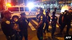 Оцепление вокруг места взрыва в Нью-Йорке