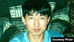 Один из осужденных по делу о пропаганде терроризма Нурбек Авдкерим до осуждения. Темиртау, 2008 год.