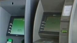 "Bankomatyň öňünde dörän nobatda pensioner ýaşulylar ""ýakalaşygyň bäri ýany"" bolup erjeşdi"