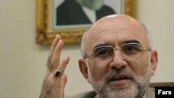 جمال کريمی راد وزير دادگستری ايران و سخنگوی قوه قضاييه در حادثه رانندگی درگذشت.