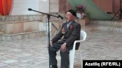 Тыл ветераны, 82 яшьлек Хәсән абый Әхмәров дога укый