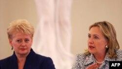 Даля Грыбаўскайце і Гілары Клінтан у Вільні