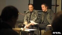 """Predrag Lucić i Boris Dežulović recitiraju satiričnu poeziju """"Melodije Bljeska i Oluje"""", 2009."""