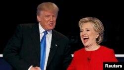 Кандидат в президенты США от Республиканской партии Дональд Трамп и кандидат в президенты США от Демократической партии Хиллари Клинтон во время дебатов.
