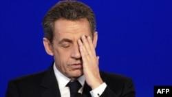 Француз Республикасынын тарыхында мурдагы лидер биринчи жолу камакка алынды