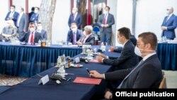 Архивска фотографија- Лидерска средба кај претседателот Стево Пендаровски