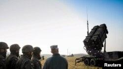 """Polşa və ABŞ hərbçiləri """"Patriot"""" raketlərinin sınağında."""