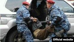 Տիգրան Առաքելյանը բերման է ենթարկվում, 19-ը փետրվարի, 2009