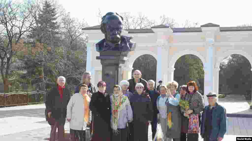 Ukraine, Simferopol - the monument to Taras Shevchenko in Simferopol, 9Mar2016