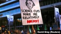 Pamje nga protesta në mbështetje të shkencës në Sidnej të Australisë