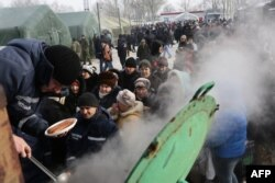 Люди в черзі за їжею, Авдіївка, 1 лютого 2017 року