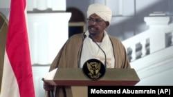 Судан президенти Умар ал Башир 1989 йилда давлат тўнтариши йўли билан ҳокимиятга келган эди.