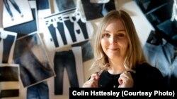 Студентка-дизайнер Доун Элламс, создавшая нехлопковую джинсовую ткань.