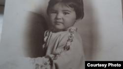 Гелиана Сокольникова, на фотографии видно плечо ее отца