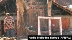 Изгорената куќа на семејстовто Коџаџаклиоски во Кичево.