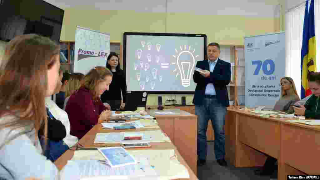 Directorul de programe al Asociaţiei Promo-LEX, Pavel Postică