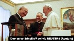 Barham Salih sa papom Franjom u Vatikanu