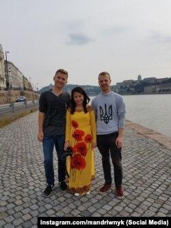 Вадим Найко (ліворуч)