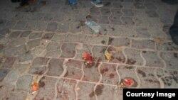 В ходе рейда сотрудники милиции раскидали и потоптали ногами фрукты торговок с рынка «Ширин», 17 ноября 2017 года.